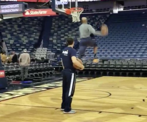 Watch: Vince Carter throws down crazy dunk at 40
