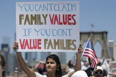 Dragging, shoving of children in Arizona migrant center under investigation