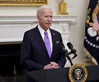 Biden signs executive orders to give states COVID-19 help, widen testing