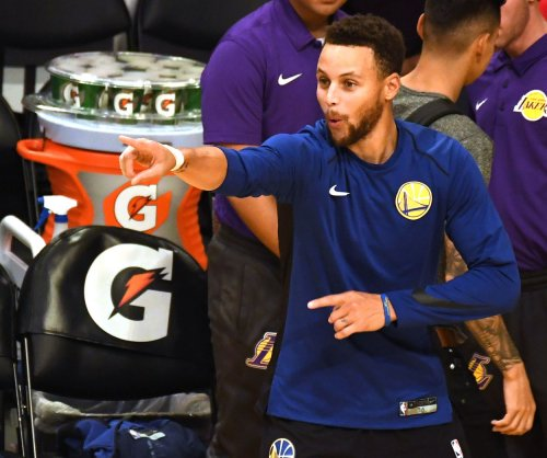 Stephen Curry, Warriors edge LeBron's Lakers with second-half comeback