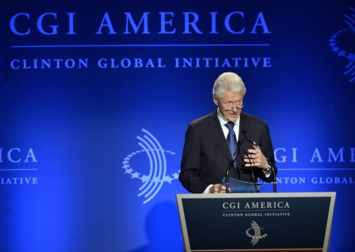 Bill Clinton, Ernie Banks, Oprah to get Medal of Freedom