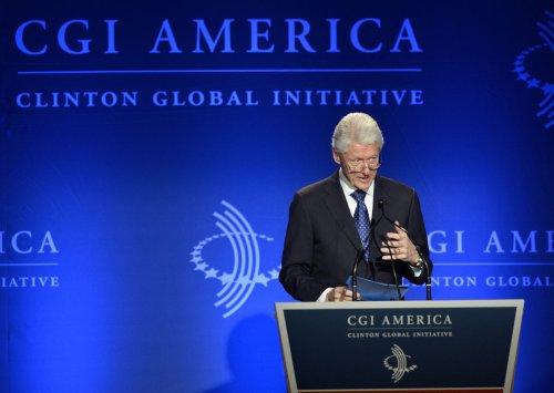 Bill Clinton, Ernie Banks, Oprah to get Medal of Freedom