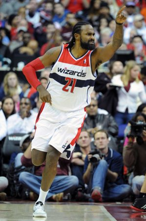 Veteran center Turiaf signs with Heat