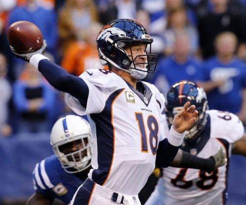 Peyton Manning practices again for Denver Broncos