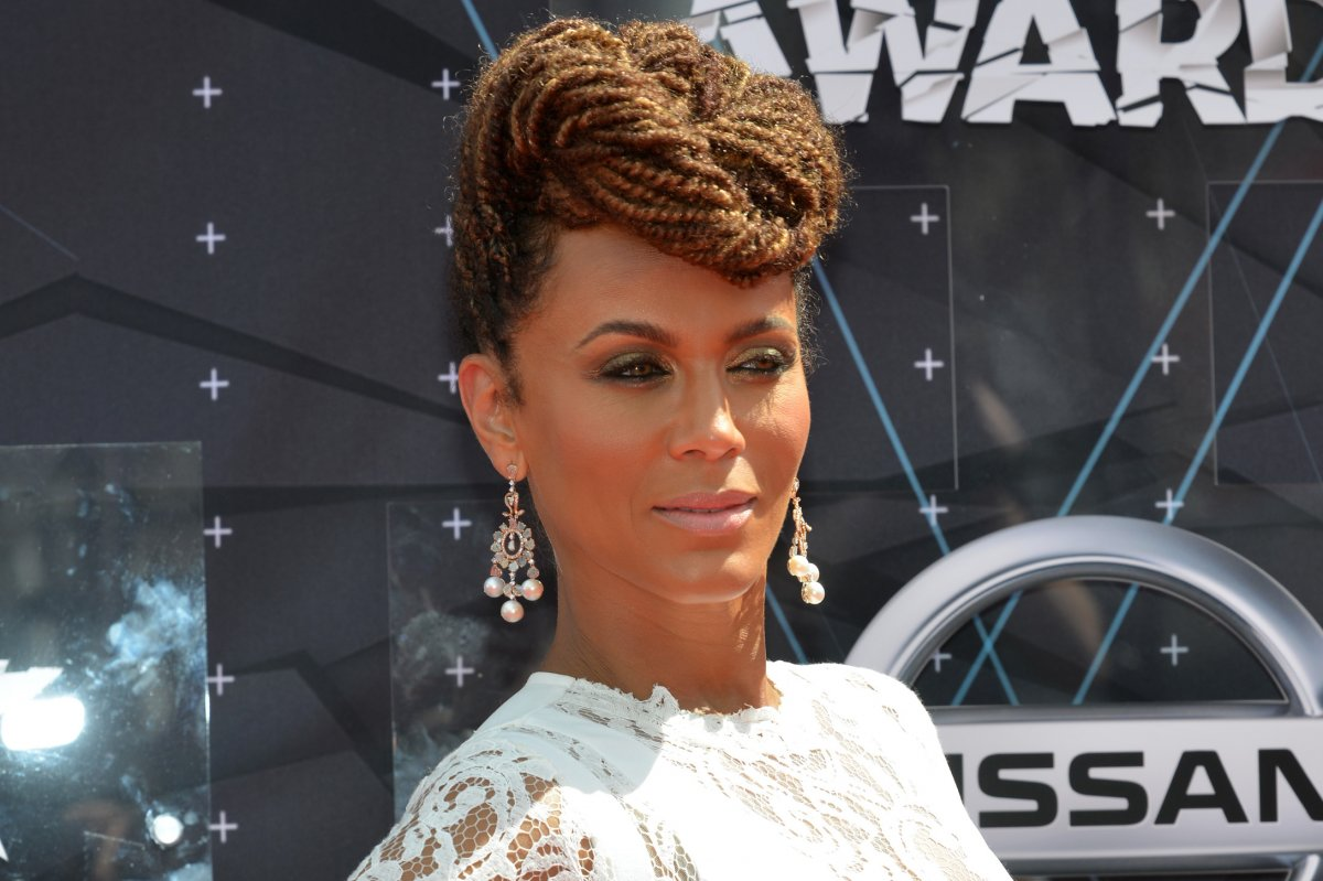 nicole ari parker joins cast of abc's 'time after time' in
