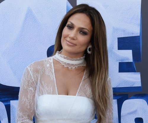 Jennifer Lopez cast as female drug lord in HBO film