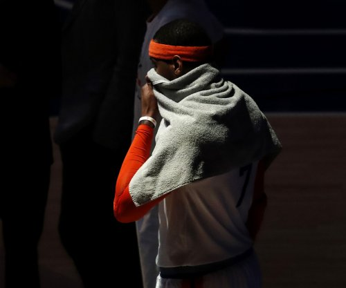 New York Knicks stop Carmelo Anthony trade talks with Houston Rockets, Cleveland Cavaliers