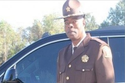 18-year-old suspect held in fatal shooting of Alabama sheriff