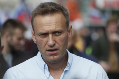 Navalny dupes Russian agent into divulging details of poisoned underwear