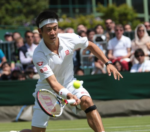 Nishikori, Uchiyama doubles win puts Japan ahead of Canada