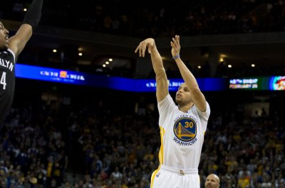 Golden State Warriors welcome Indiana Pacers to Oracle Arena