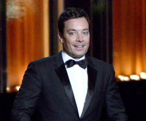 Jimmy Fallon enlists puppies to predict Kentucky Derby winners