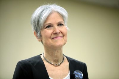 Green Party candidate Jill Stein removed from N.Y. debate site by police