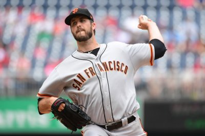 Milwaukee Brewers to acquire pitcher Drew Pomeranz from San Francisco Giants