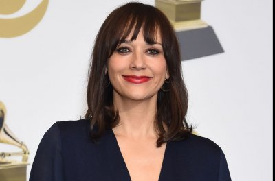 Rashida Jones says Michael Jackson would bring snake, chimp on visits