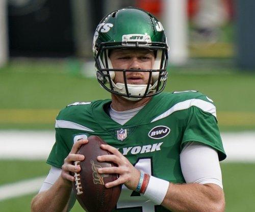 New York Jets trade QB Sam Darnold to Carolina Panthers