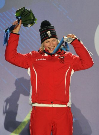 Marlies Schild ties record with 34th women's slalom victory