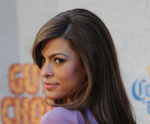 Eva Mendes says sweatpants are 'number one' cause of divorce