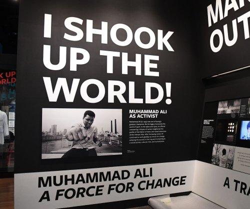 LeBron James donates $2.5 million for Muhammad Ali exhibit