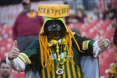 Red-hot Green Bay Packers torch Seattle Seahawks