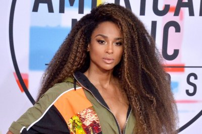 Ciara, Missy Elliott reunite for 2018 AMAs performance