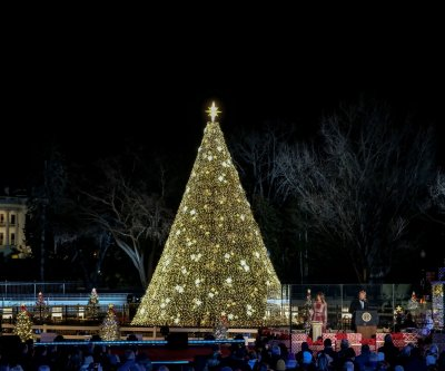 Trumps light National Christmas Tree