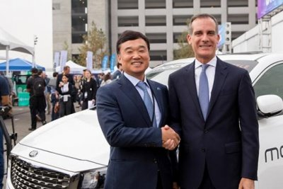 Hyundai adding 300 electric vehicles to LA car-sharing venture