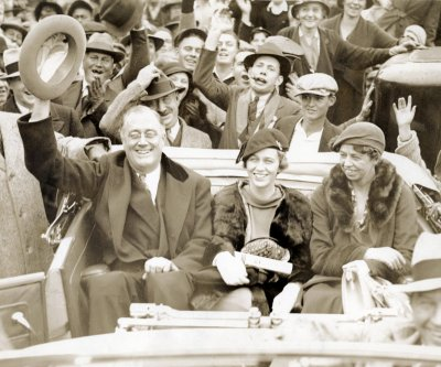 Hoover concedes to Roosevelt