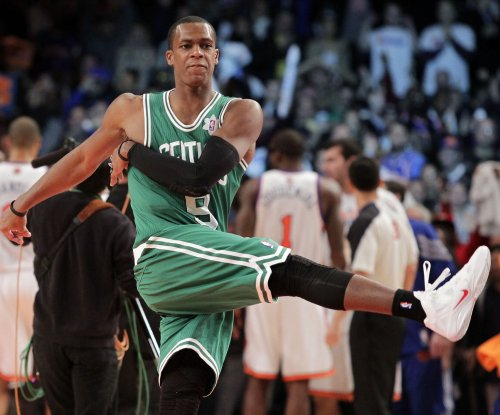 Sacramento Kings officially sign Rondo, two others
