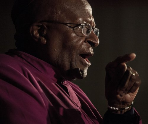 Desmond Tutu hospitalized with infection