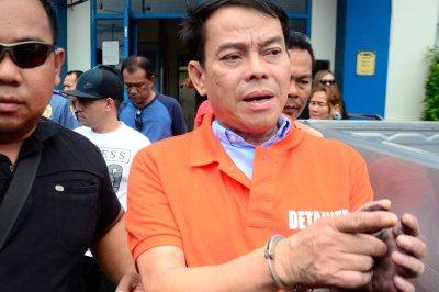 Philippine mayor accused of drug crimes shot dead