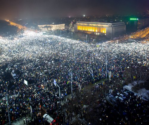 Romanian protesters call for resignation of PM Sorin Grindeanu