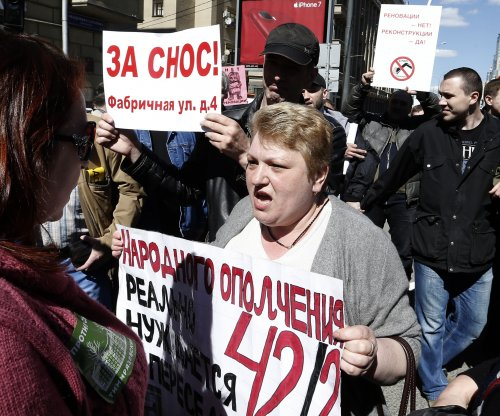 Thousands protest demolition of Soviet-era housing in Moscow