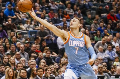 Los Angeles Clippers trading Sam Dekker to Cleveland Cavaliers