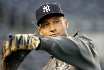 Yanks continue contract talks with Jeter