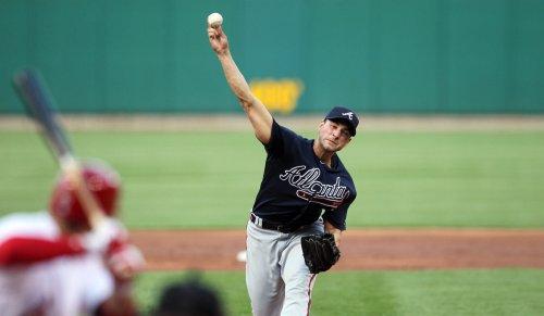 Braves' Beachy to undergo elbow surgery