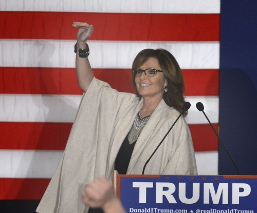 Ted Cruz hailed, Sarah Palin flops at Wisconsin GOP event