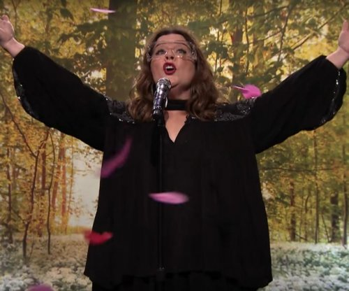 Melissa McCarthy impresses with 'Colors of the Wind' rendition during 'Lip Sync Battle'