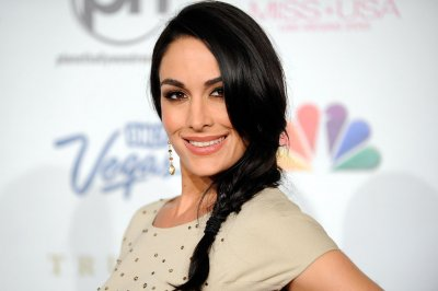 'Total Divas' star Brie Bella 'trying' to get pregnant