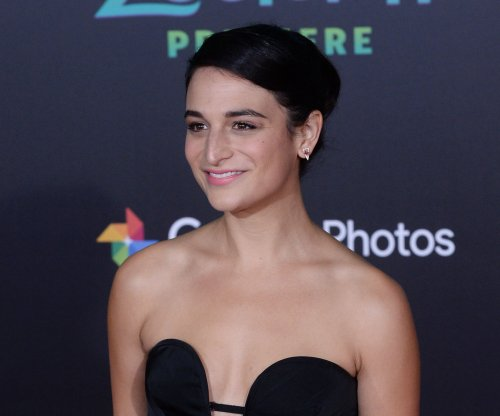Jenny Slate, Chris Evans reportedly dating