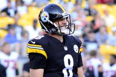 Bart Houston's TD throw lifts Pittsburgh Steelers over Atlanta Falcons