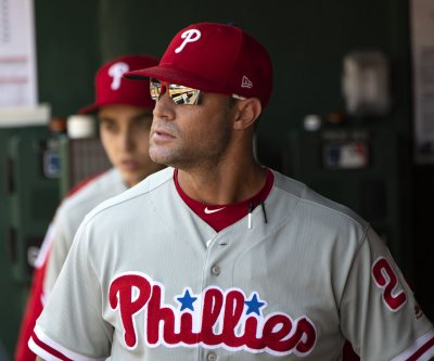 Giants hire ex-Phillies manager Gabe Kapler