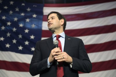 Rubio takes Trump feud off the debate stage and to the people