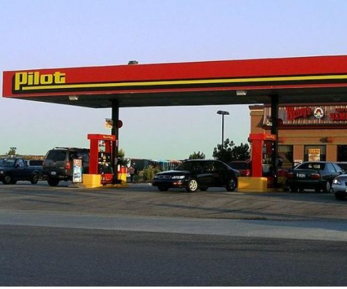 Billionaire Buffett buys major stake in Pilot Flying J