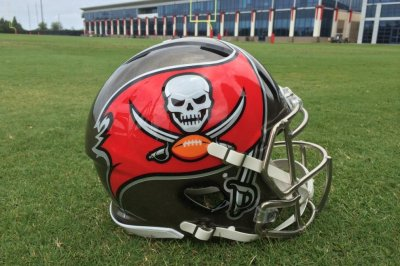 Bucs' Pierre-Paul on facing Giants: 'Emotions running big'