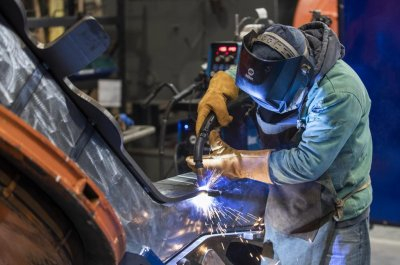 Industry report: U.S. manufacturing declined in March