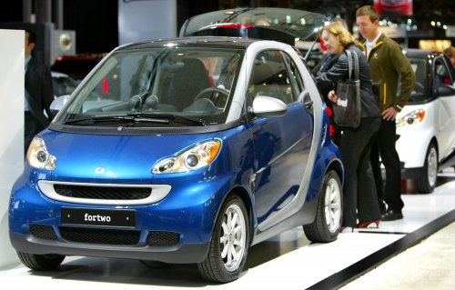 Smart car scores well in crash tests