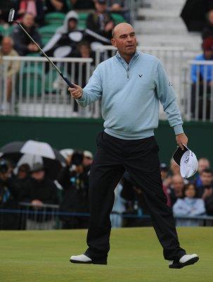 Bjorn leads Singapore Open