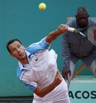 Llodra has 2nd-round upset in Montpellier