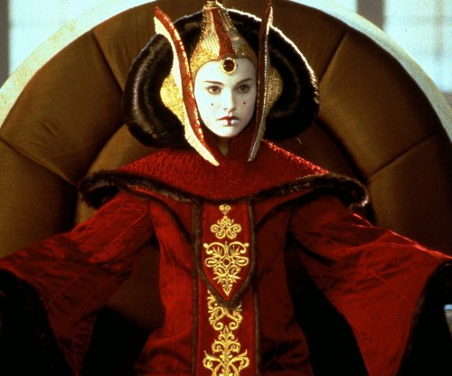 Natalie Portman says Mike Nichols saved her career after 'Star Wars' prequels
